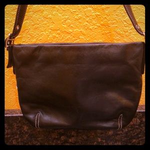 Smooth black leather Perlina date bag